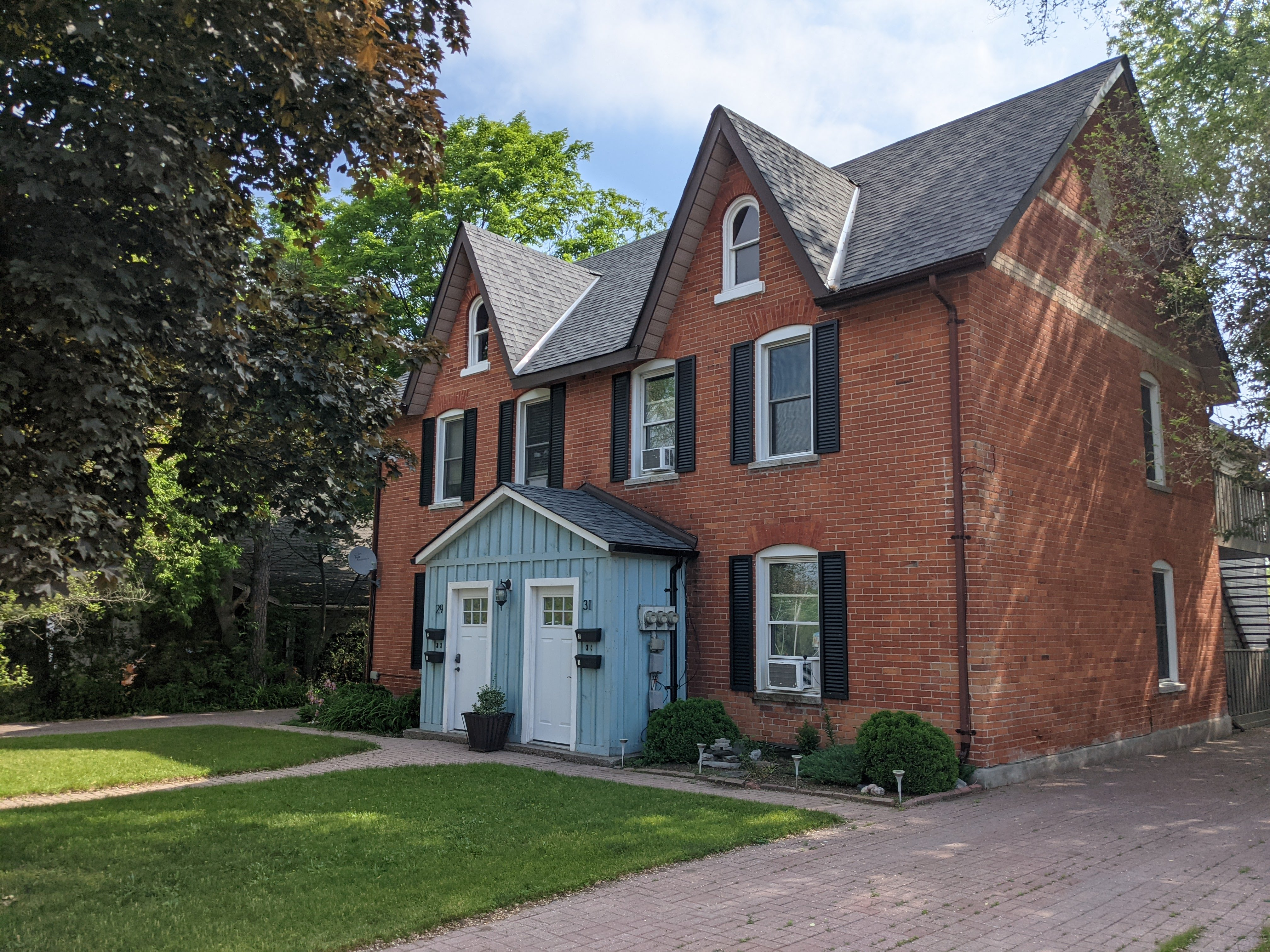 Four Unit Income Property ~ Barrie, ON ~ 29-31 Sanford Street